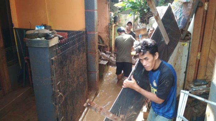 Tak Ada Calon Wali Kota atau Calon Wakil Wali Kota di Lokasi Banjir di Bandung, Warga Pun Tak Peduli