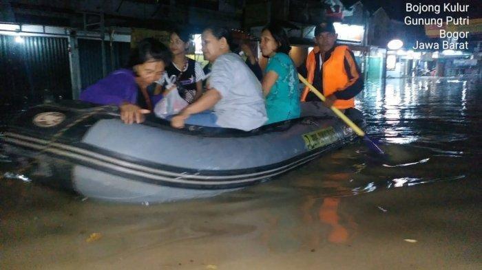 Sahur Hari Pertama Ramadhan 1440 H, Warga Beberapa Perumahan di Bojongkulur Bogor Ditemani Banjir