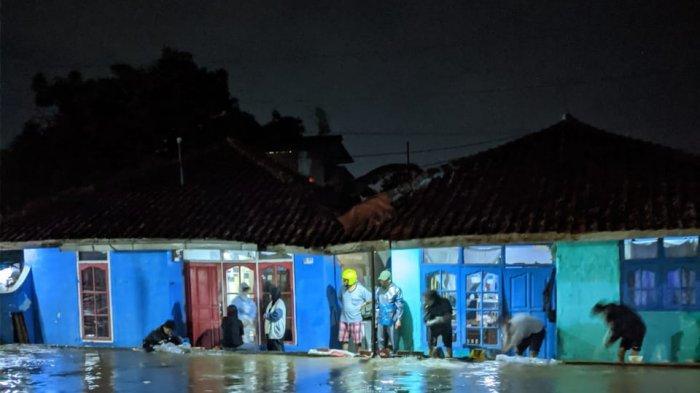 Setelah Buka Puasa, Belasan Rumah Warga di Cisaat Sukabumi Terendam Banjir