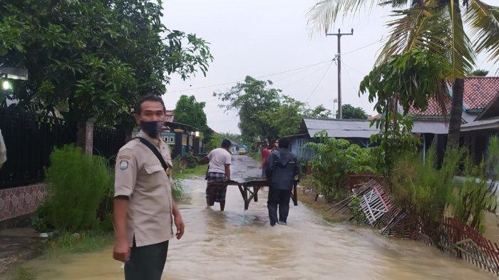 Perlu Diwaspadai, Rumah Warga yang Terendam Banjir Karena Dibangun Di Lokasi Berikut