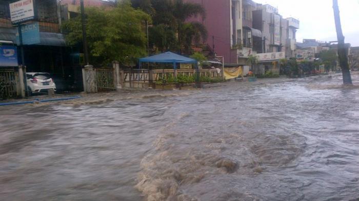 Warga Cimanggung Cemas Upaya Pemerintah Atasi Banjir Minim