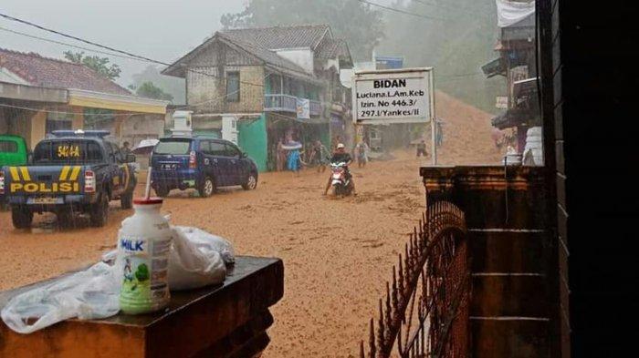 Banjir dan Longsor Terjang Jalur Selatan, Jalur Bandung-Cianjur pun Tak Bisa Dilalui