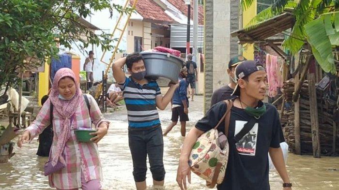 Banjir Kembali Terjang Pemukiman di Indramayu, Warga Trauma sampai Tak Enak Tidur, Taruh Harapan