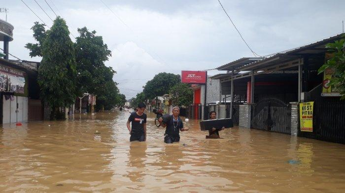 Lihat Tanda Ini, Warga Karaba Karawang Sudah Menduga Air akan Banjir akan Naik Lebih Tinggi