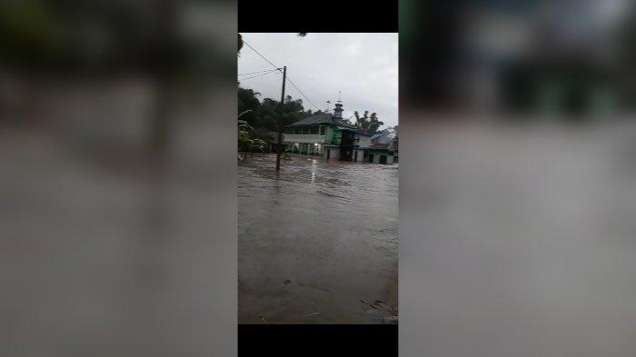 Banjir Landa Garut Utara Sejak Kamis Sore, Puluhan Rumah di Cibatu Terendam Air