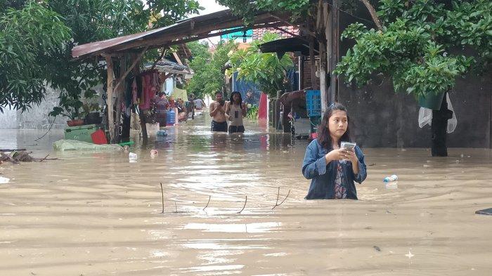 Dahsyatnya Banjir yang Menerjang Indramayu, Rendam 21 Kecamatan, Ini Daftarnya