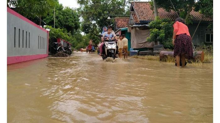 Empat Tanggul Sungai Cimanuk di Desa Dukuh Indramayu Jebol, Begini Dampaknya yang Dirasakan Warga