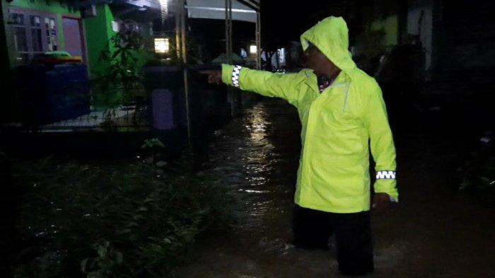 Banjir di Sukaresik Kabupaten Tasikmalaya Terus Meluas, 300 Rumah Terendam, Jalan Desa Tertutup