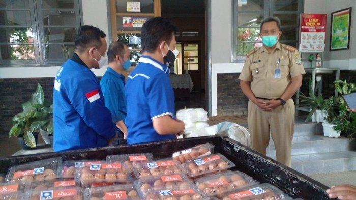 Tenaga Kesehatan di RSUD Ciamis Dapat Bantuan Telur Ayam dan Baju Hazmat