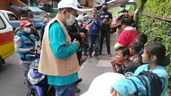 Banyak Anak Sekolah Pakai Kostum Badut Ngamen di Jalan, Kadisdik Garut Langsung Turun