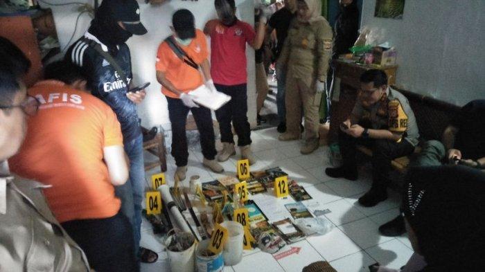 Ini Barang Bukti yang Disita dari Rumah Terduga Teroris di Kota Cirebon, Ada Bahan Kimia Berbahaya