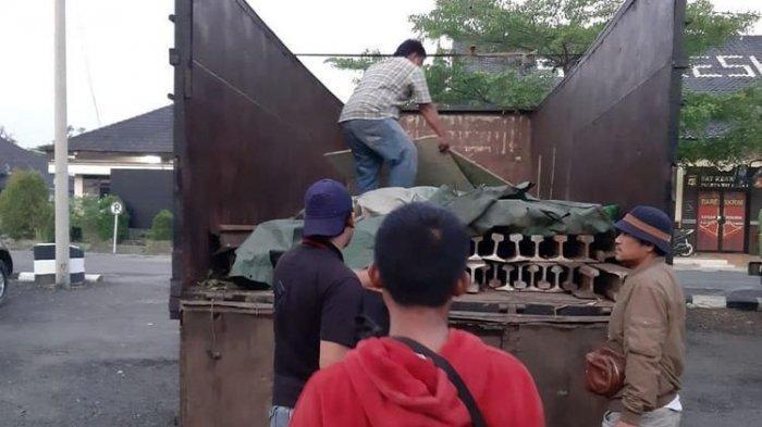 Curi Besi Rel Kereta Api, Komplotan Maling di Lampung Bawa Dua Truk Fuso