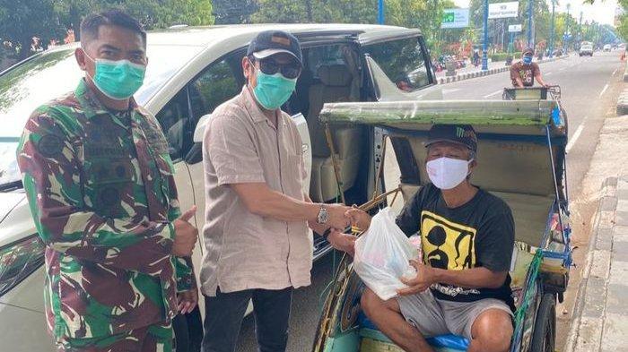 Bantu Warga Cirebon dan Indramayu, RSIA Cahaya Bunda dan Arhanud 14/PWY Tebar 1000 Paket Sembako