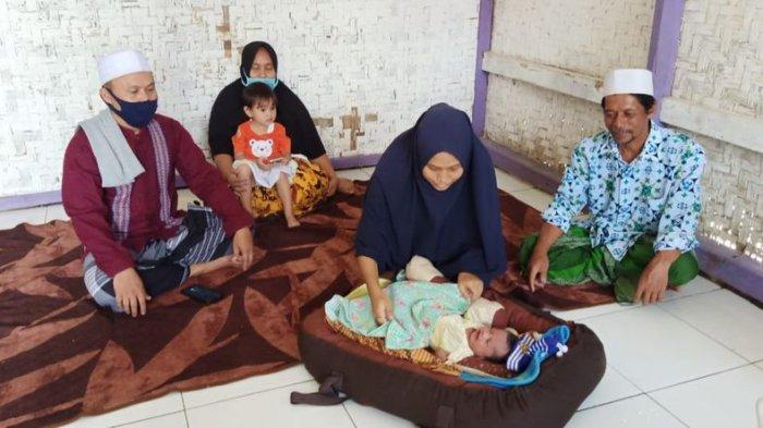 Bayi perempuan Siti Jainah yang menghebohkan Cidaun, Kabupaten Cianjur, Jawa Barat, sudah diberi nama. Namanya seperti nama artis cantik.