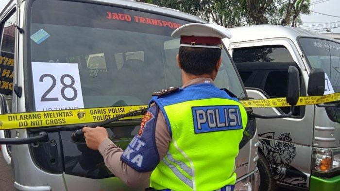 32 Mobil Travel Gelap Diamankan Polres Karawang, Tarifnya Wow, Sampai Hampir 1 Juta Per Penumpang