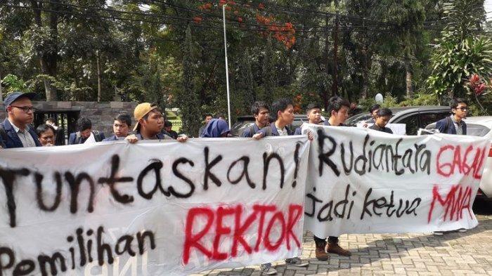 Mediasi Kisruh Pemilihan Rektor Unpad Masih Buntu, Menkominfo dan Menristek Dikti Tidak Hadir