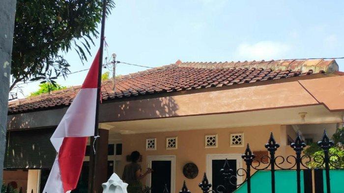 Mantan Komandan KRI Nanggala Pasang Bendera Setengah Tiang di Rumahnya, Para Korban Sering Datang