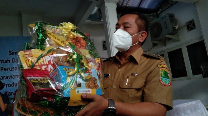 Berkat Aep Syaepuloh, 14 Perusahaan Beli 3.000 Parsel Lebaran Produk Ratusan UMKM Karawang