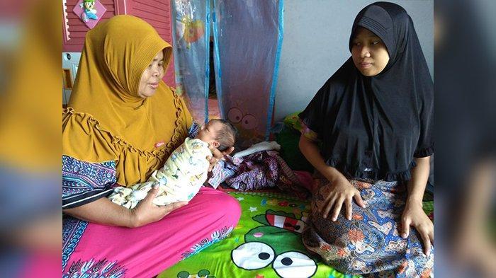 BREAKING NEWS- Bayar Biaya Lahiran Pakai Uang Koin, Ini Kisah Sedih Pasangan Suami Istri di Cianjur