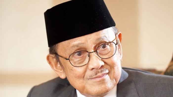 BJ Habibie Dikabarkan Jatuh Sakit, Dirawat Intensif Tim Dokter Kepresidenan di RSPAD Gatot Soebroto