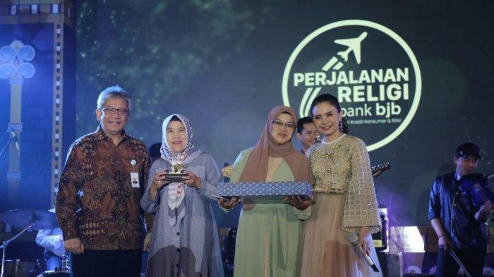 bank bjb Berangkatkan 140 Pemenang Program bjb Perjalanan Religi 2019