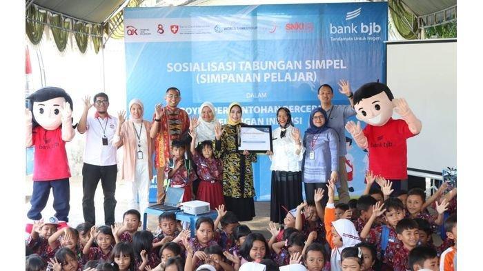 bank bjb Kolaborasi Sosialisasikan Tabungan Simpanan Pelajar di SDN 1 Pegagan Kidul Cirebon