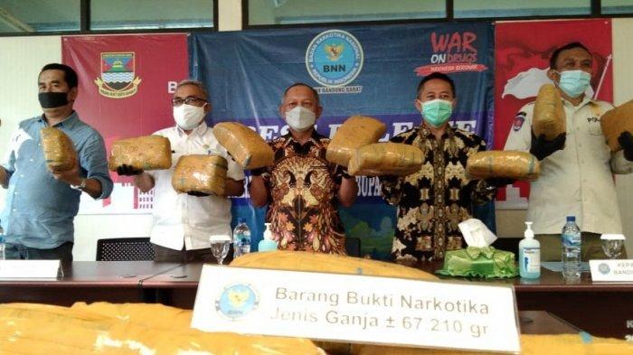 Ganja 67 Kilogram Siap Diedarkan di Bandung Barat Disita Dari Kurir Narkoba, Dibawa Pakai Truk Fuso