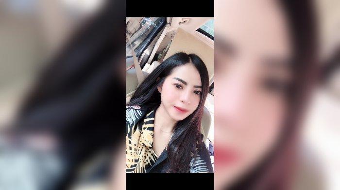 Bobotoh girl Persib Bandung, Laura Kristina.