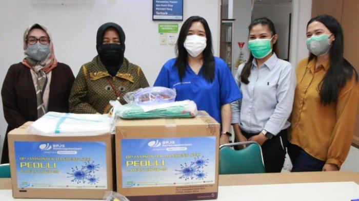 """Dukung Nakes RSKB Halmahera Siaga Tangani Covid-19, BPJAMSOSTEK Kirim Bantuan APD"