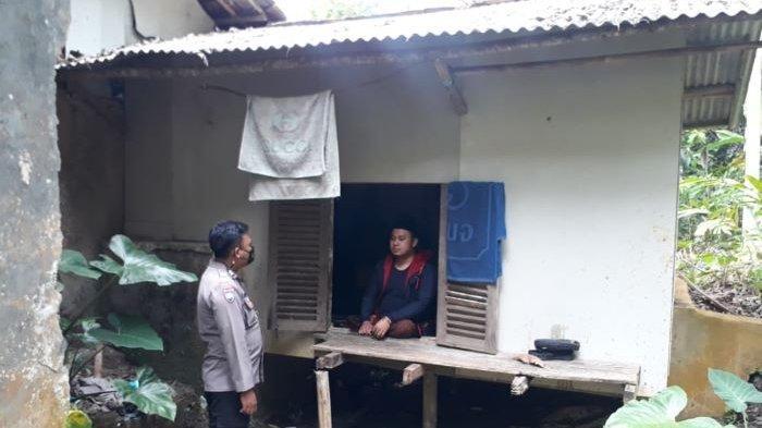 Kisah Brigadir Ruslan Hadiyatna Membangun Rumah untuk Guru Mengaji yang Difabel di Pamarican Ciamis