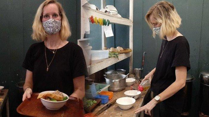 HEBOH, Bule Belanda Jualan Mie Ayam Viral di Jogja ...