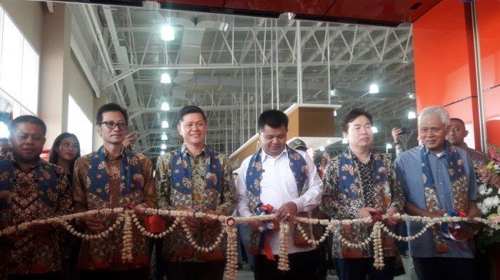 Aa Umbara Pastikan Hadirnya Lotte Grosir Padalarang Takkan Menggerus Pasar Tradisional