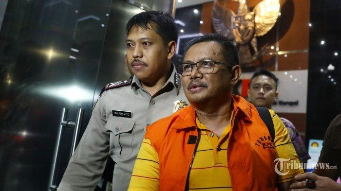 Selesai Geledah Kantor BPR Indramayu, KPK Lanjut ke Rumah Direktur Utama BPR Indramayu Sugiyanto