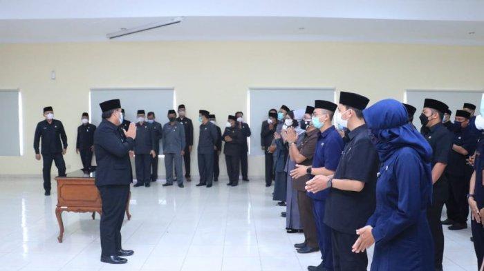 Bupati Pangandaran Jeje Wiradinata Lantik 180 Pejabat Baru, Pesankan 2 Hal Penting Saat Bekerja