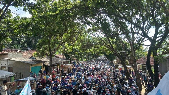 BREAKING NEWS, Jalan Cianjur-Bandung Macet Total, Ribuan Buruh Gelar Aksi, Pakai Jalur Alternatif