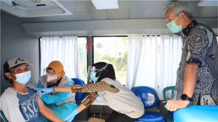 bus vaksin milik Dinas Kesehatan Provinsi Jawa Tengah itu diresmikan Gubernur Jawa Tengah Ganjar Pranowo