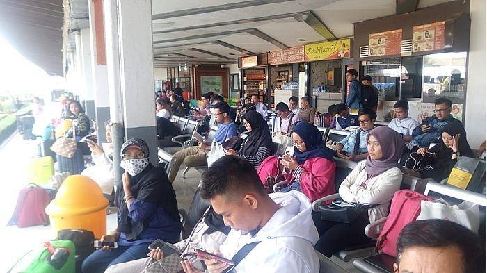 Calon penumpang KA di Stasiun Bandung, Rabu (29/5/2019).
