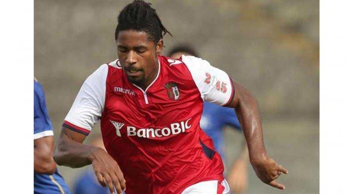 Profil Singkat Carlos Fortes, Calon Striker Baru Arema FC yang Kabarnya Sudah Mendarat di Indonesia