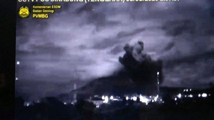 Video Detik-detik Letusan Gunung Sinabung Senin Siang, Kekuatannya 5 Kali Letusan Sebelumnya