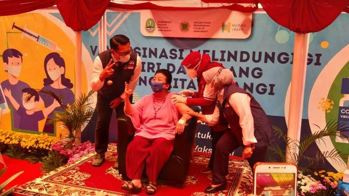 Ridwan Kamil Tegaskan Vaksinasi di Gedung Sate dan Pakuan Hanya untuk Pelayan Publik dan Lansia