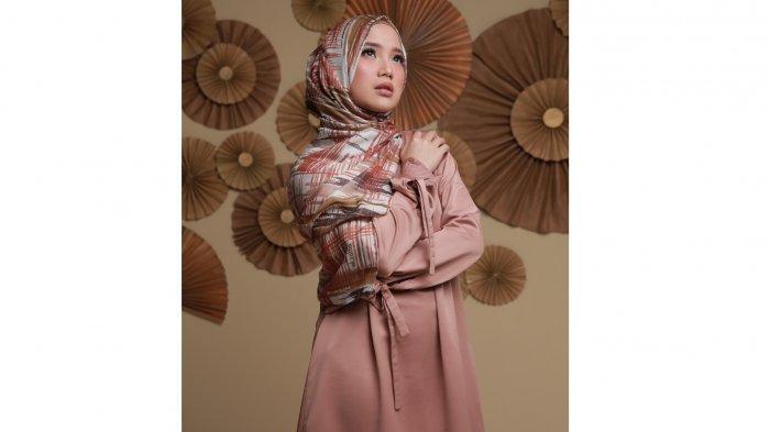 Fesyen Bulan Ramadhan Chacha Frederica Dan Elzatta Luncurkan Busana Muslim Berbahan Premium Tribun Jabar