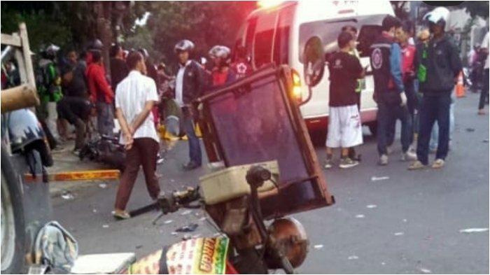 Mobil Tabrak Motor di Jalan Jenderal Sudirman Bandung, Satu Pengendara Motor Tewas