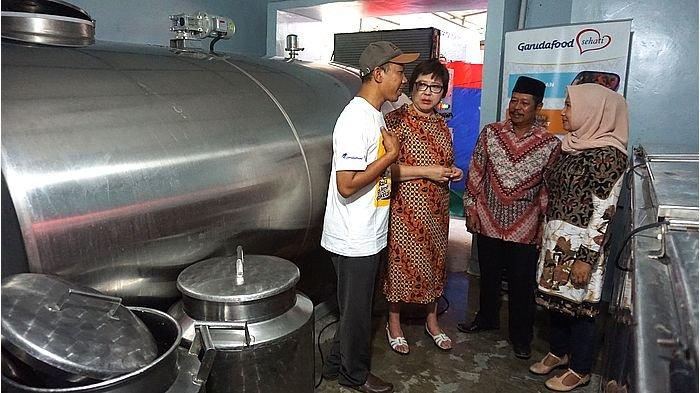 Ini yang Dilakukan Garudafood dalam Memperkuat Kemitraan dengan Peternak Sapi Perah Lokal