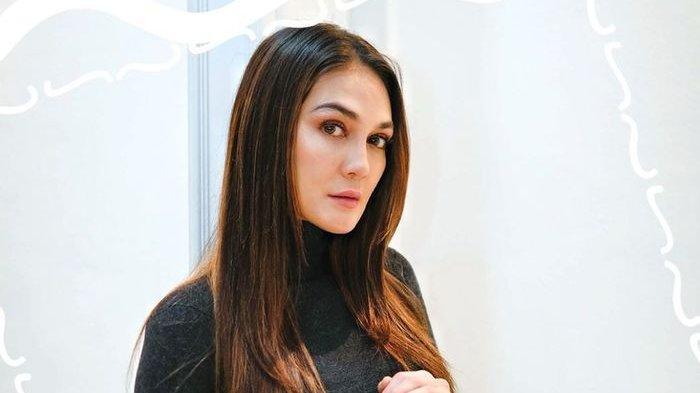 Luna Maya Juga Ingin Simpan Kemasan BTS Meal, Belum Beli karena Tahan Diri Setelah Lihat Antrean