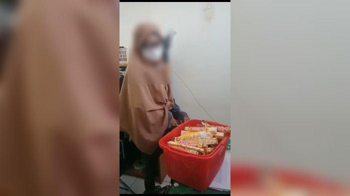Heboh Wanita Mencuri Cokelat di Supermarket di Purwakarta, Nilai Makanan yang Dicuri Rp 1,2 Juta