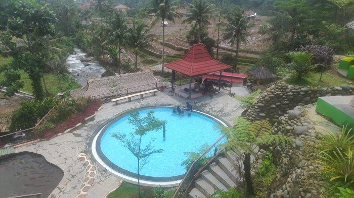 Rekomendasi Wisata Pekan Ini, Curug Kiara Danu, Sensasi Berenang Bersebelahan dengan Hamparan Sawah