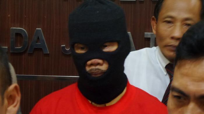 dalang-kondang-ki-joko-edan-ditangkap_20160929_201415.jpg