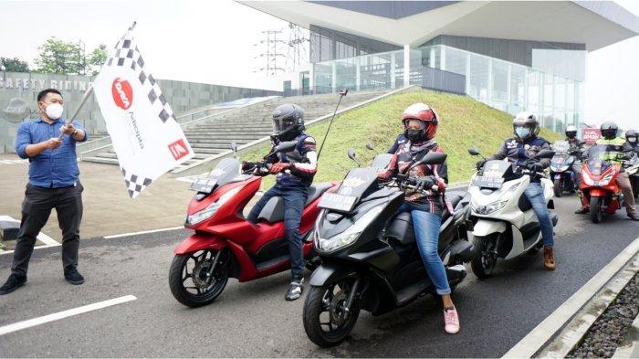 Kenalkan All New Honda PCX 160,Komunitas HondaPCX Club Indonesia Chapter Bandung Touring MenujuBromo