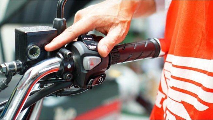 Ngebut Picu Kecelakaan, Berikut Tips Rem Mendadak Saat Kecepatan Tinggi Bagi Pengendara Sepeda Motor