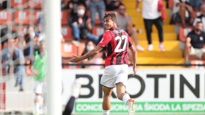 Daniel Maldini merayakan gol untuk AC Milan ke gawang Spezia